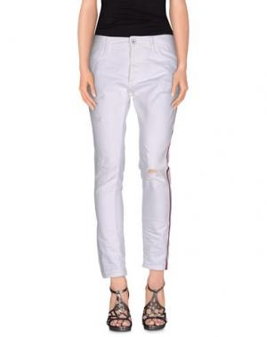 Джинсовые брюки MAURIZIO MASSIMINO. Цвет: белый