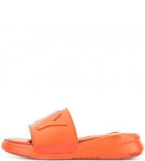 Резиновые шлепанцы с текстильной стелькой DKNY. Цвет: оранжевый