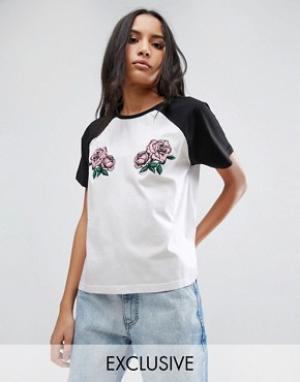 Chorus Бейсбольная oversize-футболка с рукавами реглан и вышитыми розами Chor. Цвет: белый