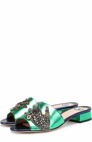 Сабо Wangy из металлизированной кожи с декором Gucci. Цвет: зеленый