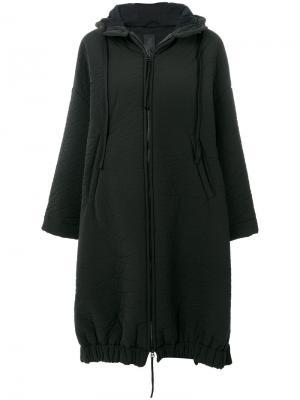 Пальто с капюшоном мятым эффектом Thom Krom. Цвет: чёрный