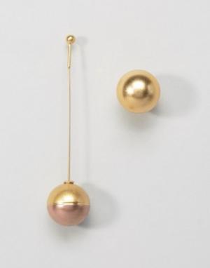 AQ Асимметричные серьги AQAQ X Mawi. Цвет: золотой
