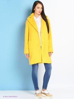 Пальто Trussardi. Цвет: желтый