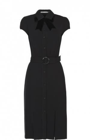 Платье-рубашка с коротким рукавом и воротником аскот Alice + Olivia. Цвет: черный