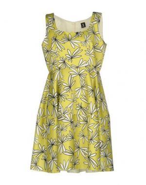 Короткое платье ONE. Цвет: кислотно-зеленый