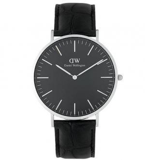 Часы с кожаным браслетом выделкой под рептилию Daniel Wellington