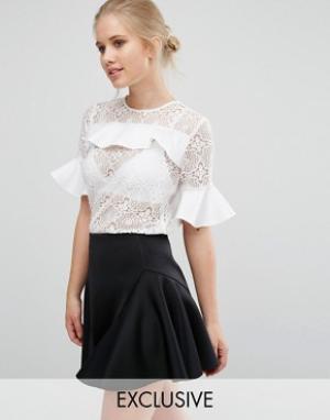 Closet London Кружевная блузка с атласными оборками. Цвет: белый