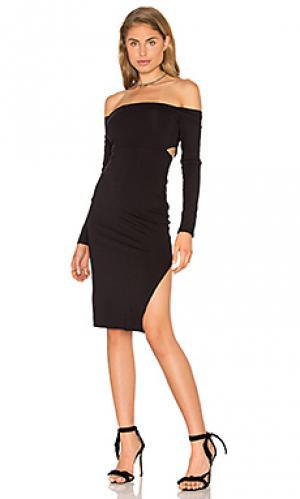 Облегающее платье с открытыми плечами twenty. Цвет: черный