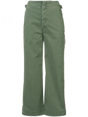Укороченные расклешенные брюки Mother. Цвет: зелёный