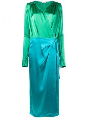 Атласное платье с запахом Attico. Цвет: зелёный