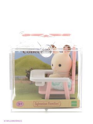 Набор Младенец в пластиковом сундучке (кролик детском кресле) Sylvanian Families. Цвет: светло-бежевый