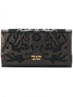 Кошелек с вышивкой Prada. Цвет: чёрный