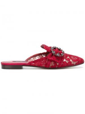 Кружевные слиперы с пряжками Dolce & Gabbana. Цвет: красный