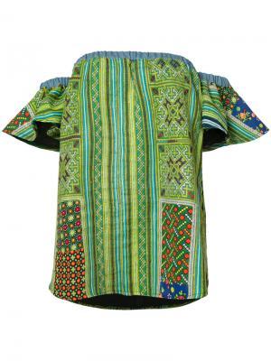 Топ с открытыми плечами вышивкой All Things Mochi. Цвет: зелёный