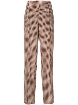 Прямые брюки со складками Stella McCartney. Цвет: коричневый