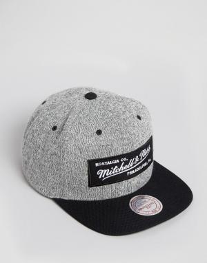 Mitchell & Ness Бейсболка. Цвет: серый