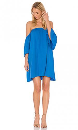 Платье красотка BLAQUE LABEL. Цвет: синий