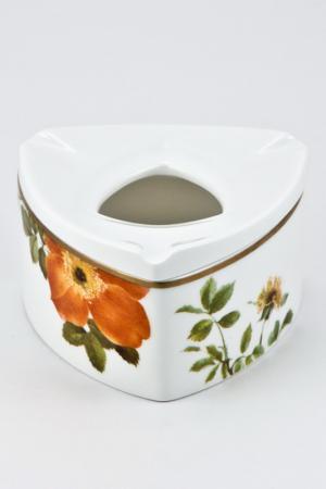 Пепельница Ариста Блум Royal Porcelain. Цвет: белый, черный, оранжевый