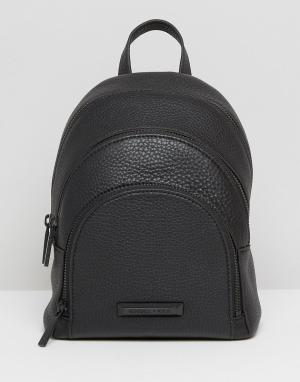 Kendall + Kylie Мини-рюкзак из зернистой кожи. Цвет: черный