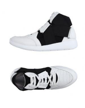 Высокие кеды и кроссовки FESSURA. Цвет: белый