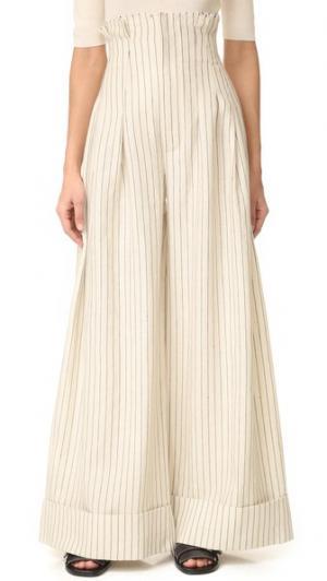 Широкие брюки с высокой талией Jacquemus. Цвет: серовато-белый/темно-синяя полоска
