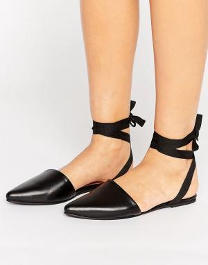 Park Lane Остроносые туфли с завязкой вокруг щиколотки. Цвет: черный