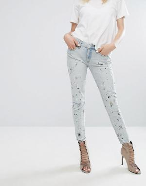 BLANK NYC Зауженные рваные джинсы с брызгами краски. Цвет: синий
