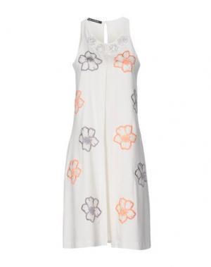 Платье до колена PAOLA FRANI. Цвет: белый