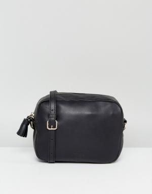Made Кожаная сумка через плечо с кисточкой. Цвет: черный
