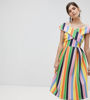 True Violet Приталенное платье для выпускного. Цвет: мульти