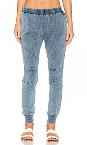 Свободные брюки duffer Generation Love. Цвет: синий