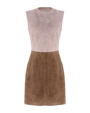 Короткое платье 8. Цвет: светло-коричневый