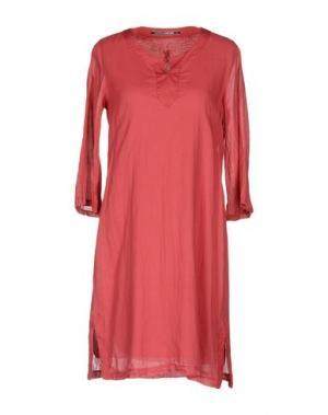 Короткое платье EUROPEAN CULTURE. Цвет: коралловый