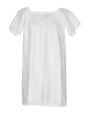 Короткое платье BSB. Цвет: белый