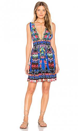 Короткое платье с v-образным вырезом Camilla. Цвет: синий