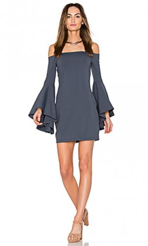 Платье со спущенными плечами Susana Monaco. Цвет: серый