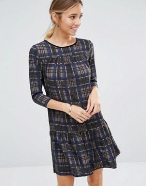Closet London Клетчатое платье с длинными рукавами и баской по краю. Цвет: серый