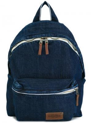 Джинсовый рюкзак Eastpak. Цвет: синий