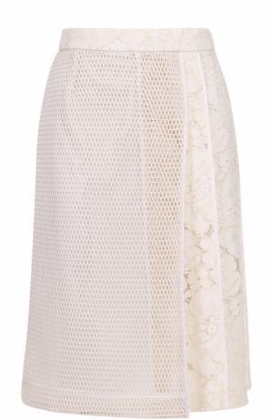 Кружевная юбка А-силуэта с перфорированной вставкой Tara Jarmon. Цвет: бежевый