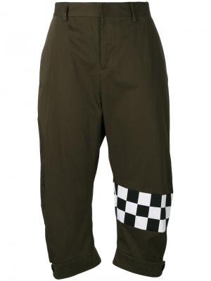 Укороченные брюки карго Dsquared2. Цвет: зелёный