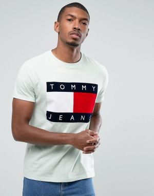 Tommy Jeans Светло-зеленая футболка с флоковым логотипом 90S M1. Цвет: зеленый