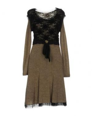 Платье до колена CLUB VOLTAIRE. Цвет: хаки