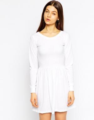 Tired Of Tokyo Короткое приталенное платье с длинными рукавами. Цвет: белый