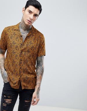 ASOS Рубашка классического кроя горчичного цвета с принтом пейсли и отложны. Цвет: желтый