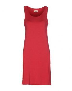 Короткое платье NIU'. Цвет: пурпурный