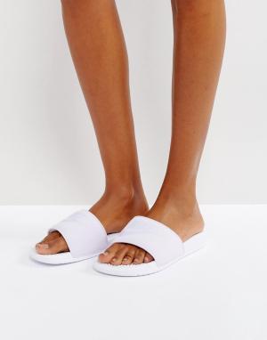 Nike Лиловые шлепанцы Benassi. Цвет: фиолетовый