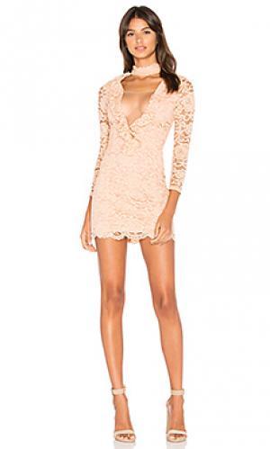 Платье lizzy NBD. Цвет: peach