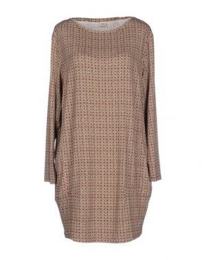 Короткое платье SIYU. Цвет: красно-коричневый