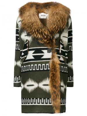 Пальто с меховой отделкой Bazar Deluxe. Цвет: зелёный