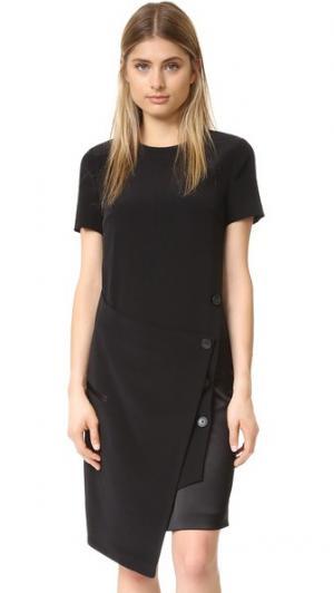 Платье с запахом спереди DKNY. Цвет: черный/алый